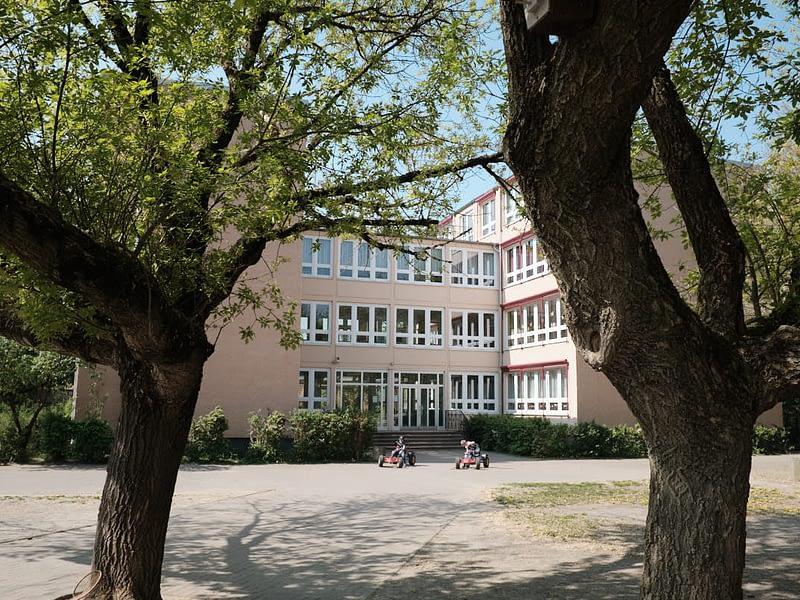 Grundschule Wildberg, Schulhof Detail